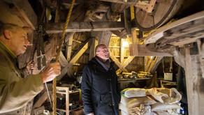 Burgemeester bezoekt Veenmolen