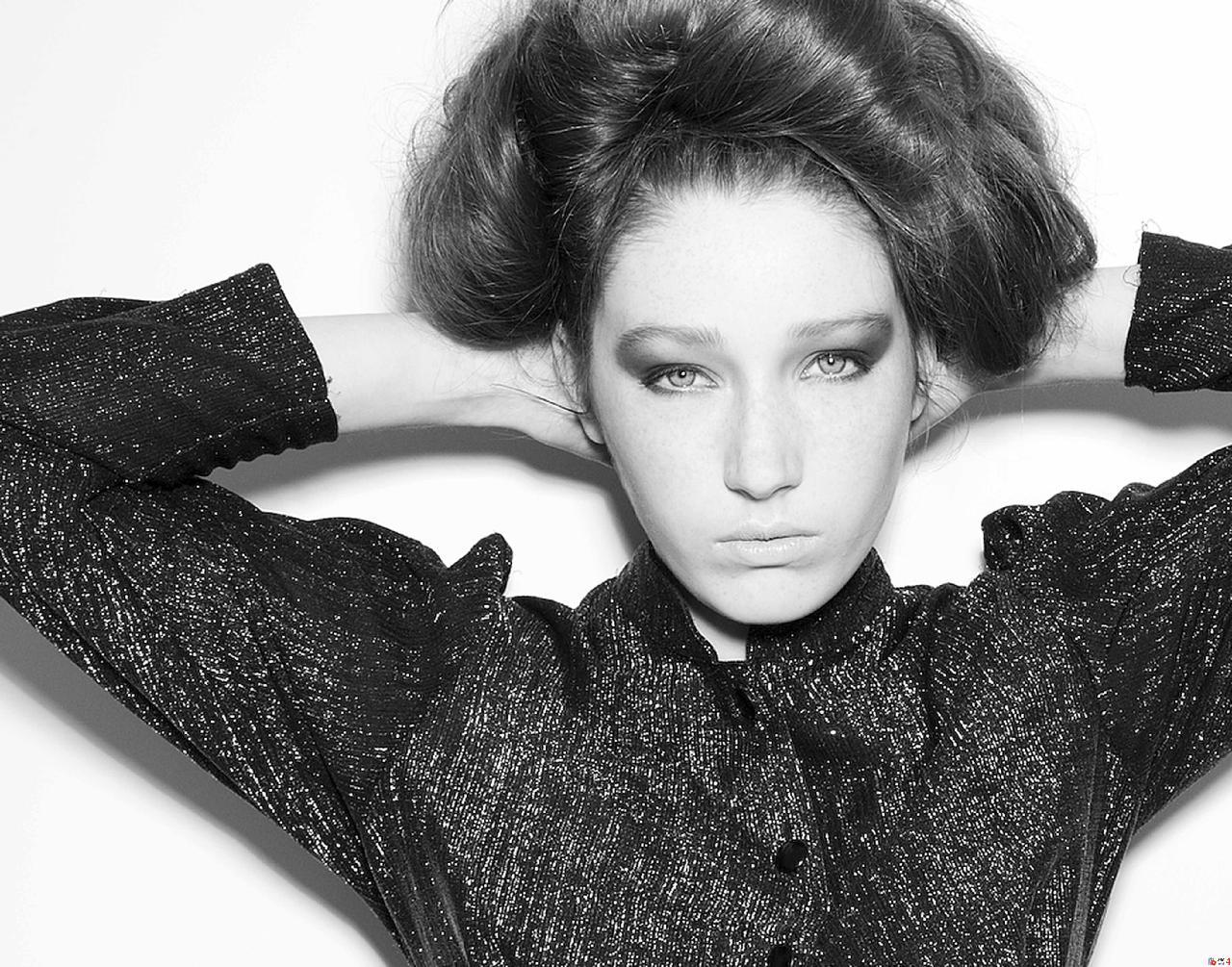 fashion hair and makeup artist