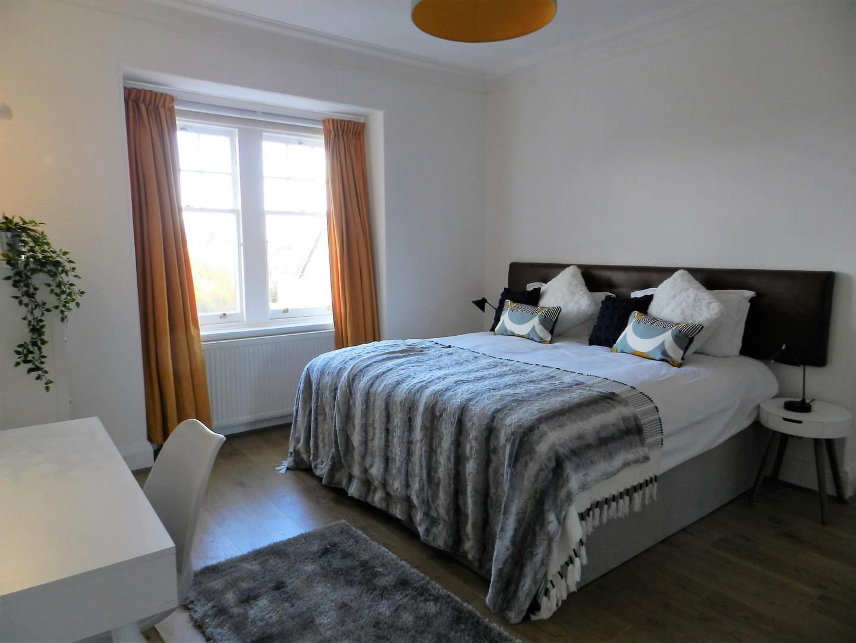 Gullane Getaway Masterbedroom.jpg