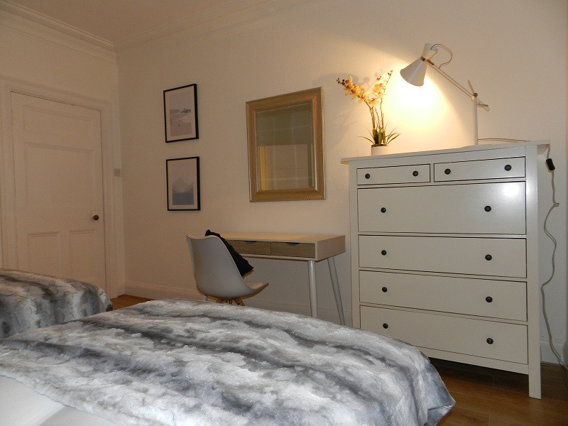 Gullane Getaway Masterbedroom