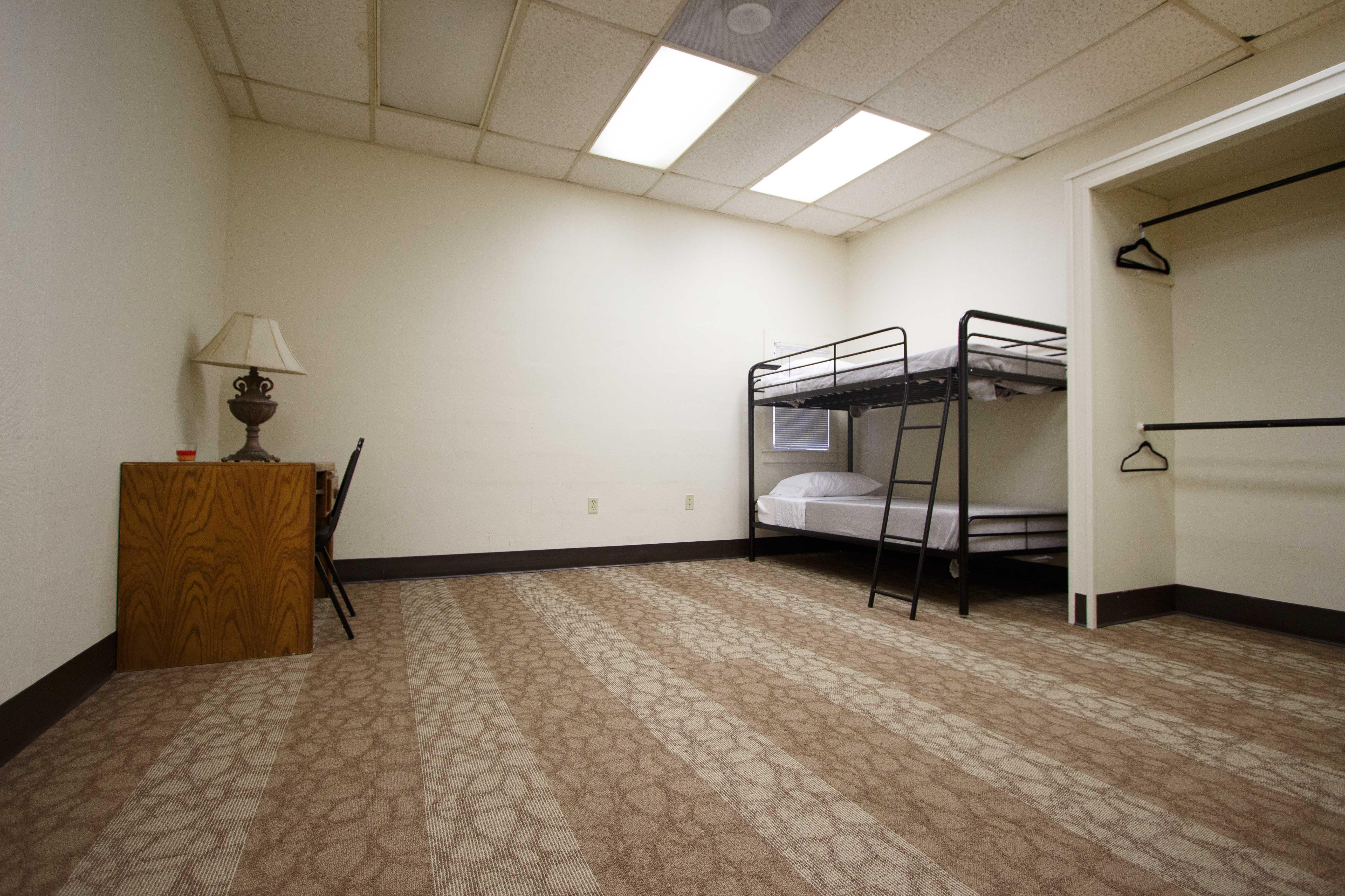 Hostel-21