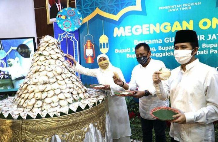 Tradisi kue apem jelang Ramadhan di Surabaya Jawa Timur