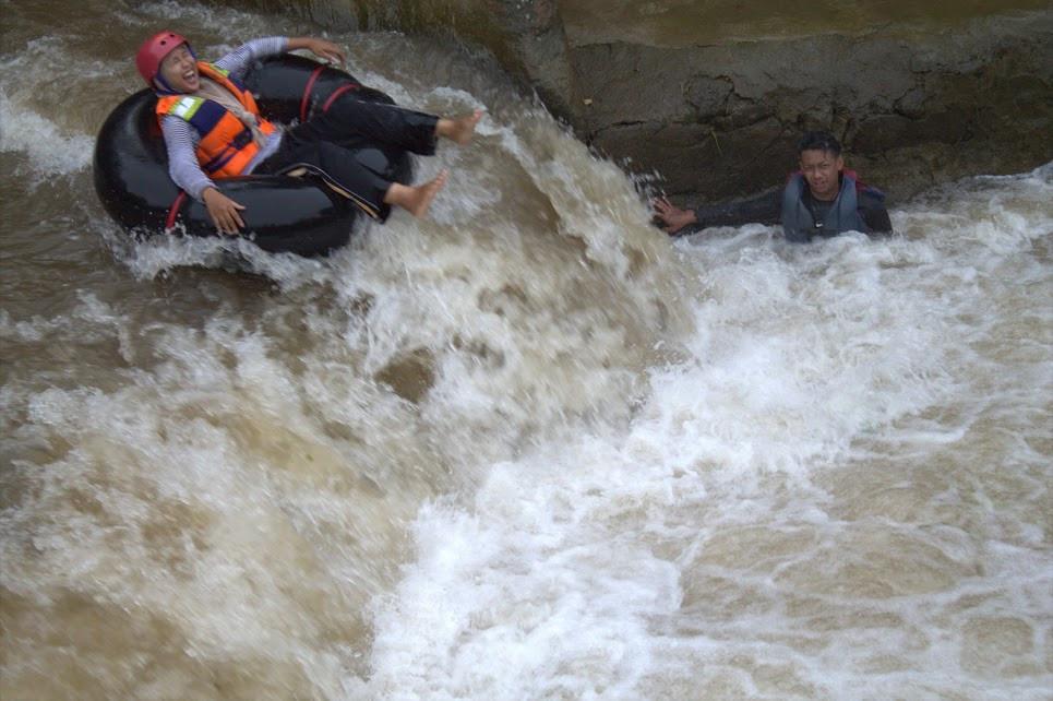Lokasi rafting donat di Citra Alam Riverside Bogor