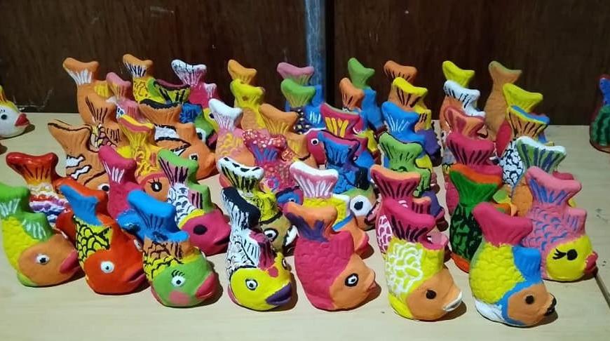 hasil karya siswa dalam pelatihan keramik