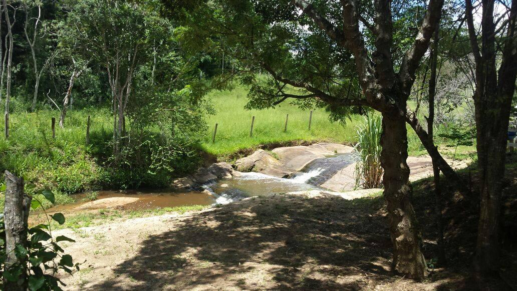 Sitio santa Clara Cachoeira com praia 1
