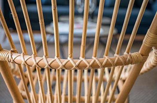 barcelona-balconies-1-wooden_chair.jpg