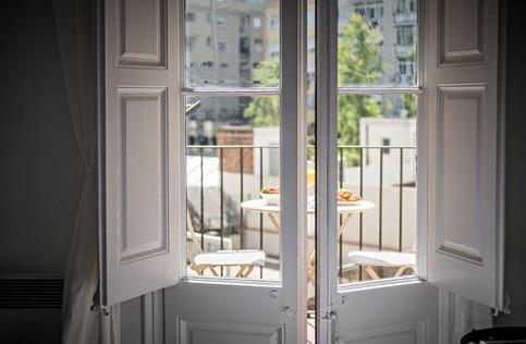 barcelona-balconies-1-terrace-2.jpg