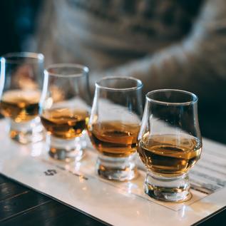 whisky-tasting_t20_lROz8o.comp.png