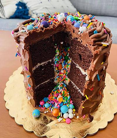 explosion cake inside.jpg