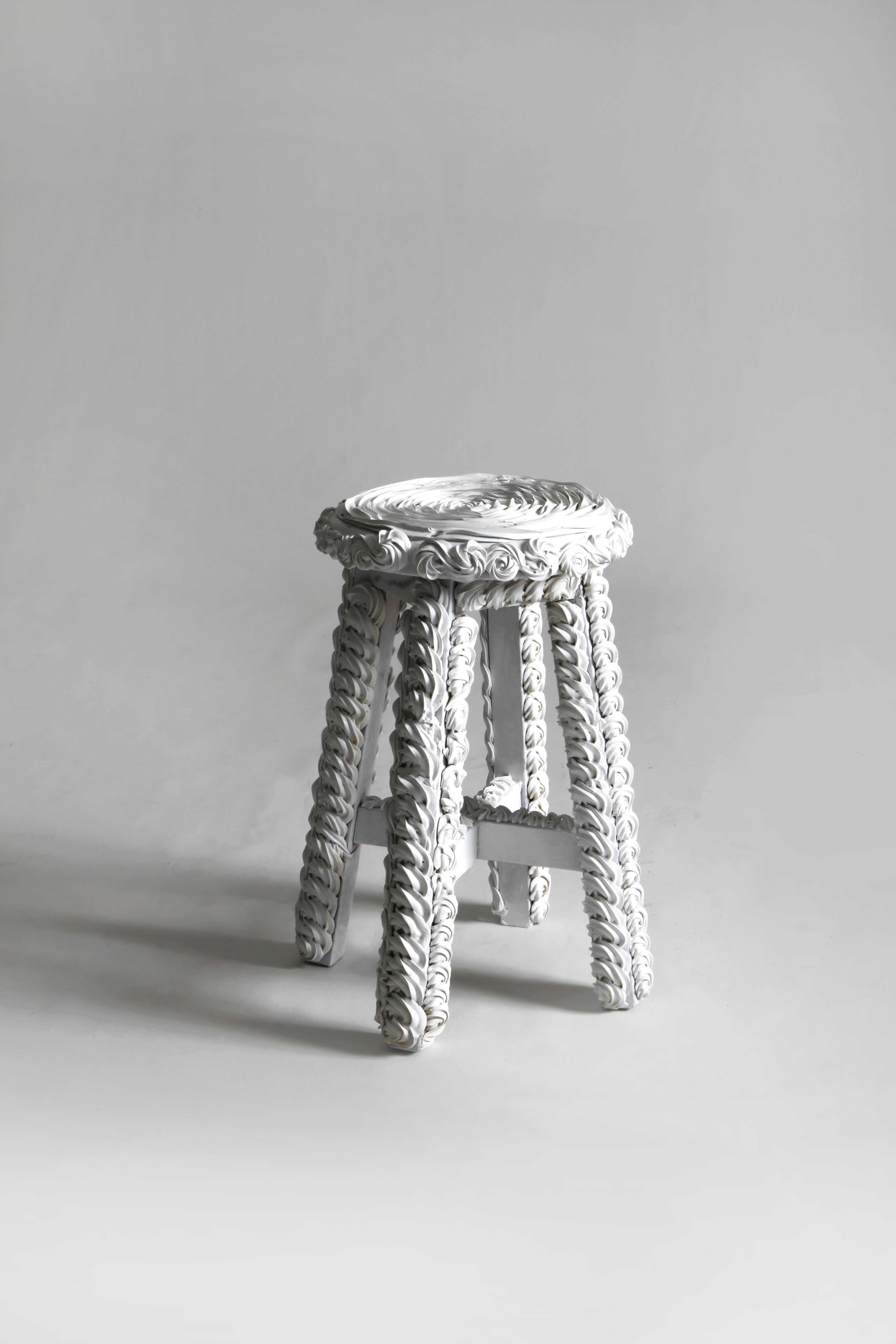cake chair 2