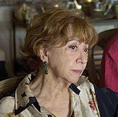 Fernanda Montenegro usando brinco Andre Lasmar