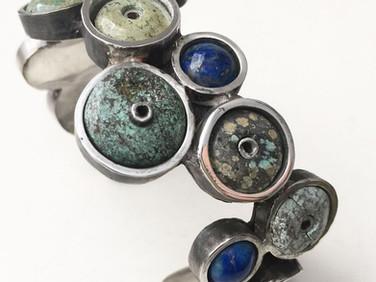 Bracelete de prata com turquesas da série JÓIAS NO ASFALTO