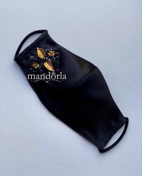 Raso francés negro, bordado a mano, triple capa, bolsillo para filtro.