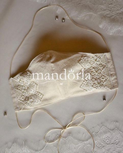 Manta pre lavada, triple capa, bolsillo para filtro, bordado a mano.