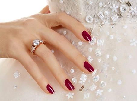 10 manicuras para lucir tu anillo de compromiso
