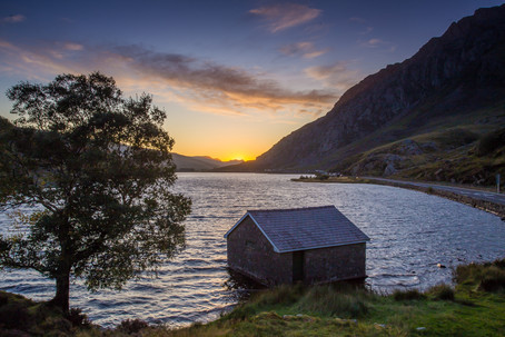 Sunrise at Llyn Ogwen