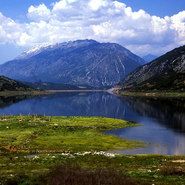 Mornos Lake