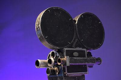 old-camera-8SAG53W.jpg