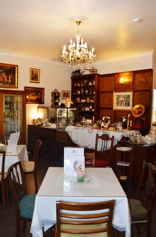 Welcome to Lady Rose's Edwardian Tea Room!