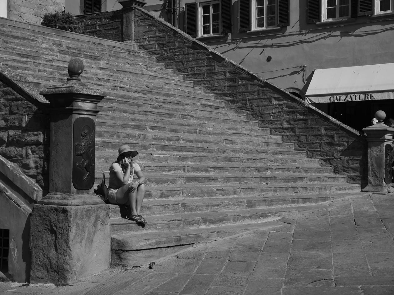 sitting-on-steps-in-cortona.jpeg