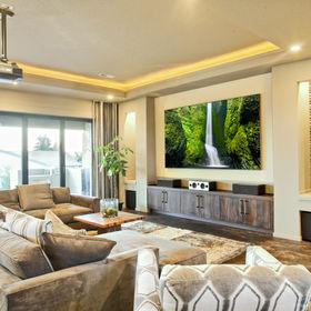 Entertainment Room in Luxury Home.jpg
