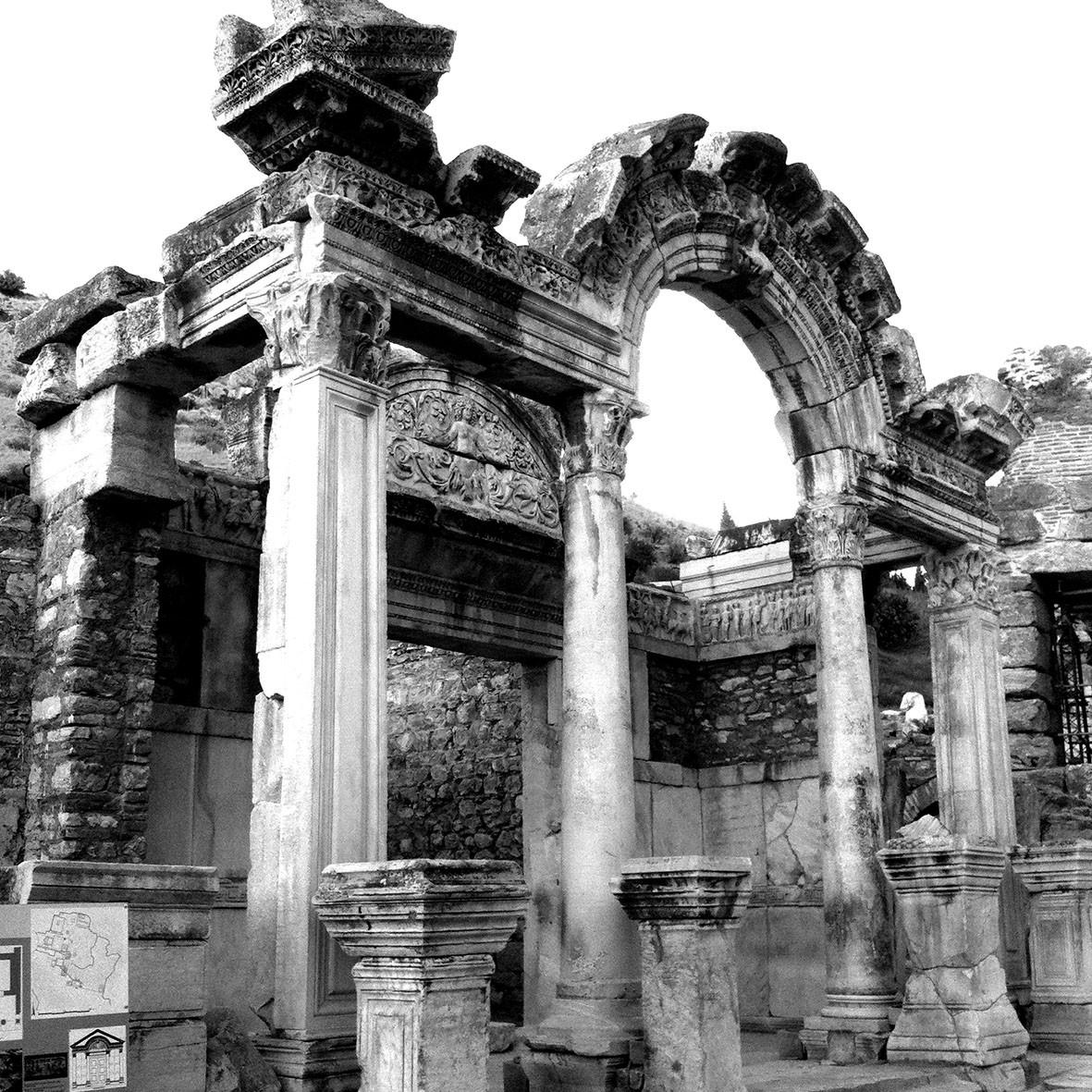 Ephèse, temple d'Adrien