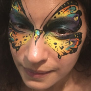 Womens facepainting