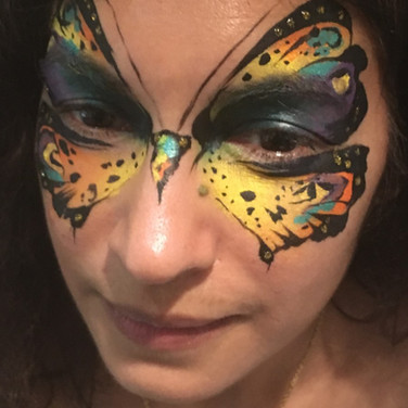 Womens facepainting