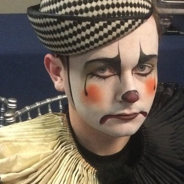 Facepainting for theatre