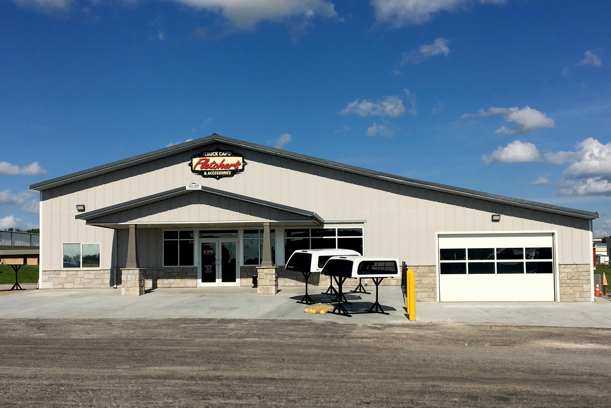 Lund Truck Accessories >> Fletchers Truck Caps Missouri Accessories