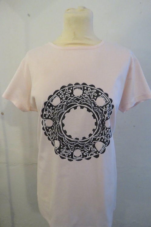 Ladies Pink T-Shirt with Brooch of Lorn Design
