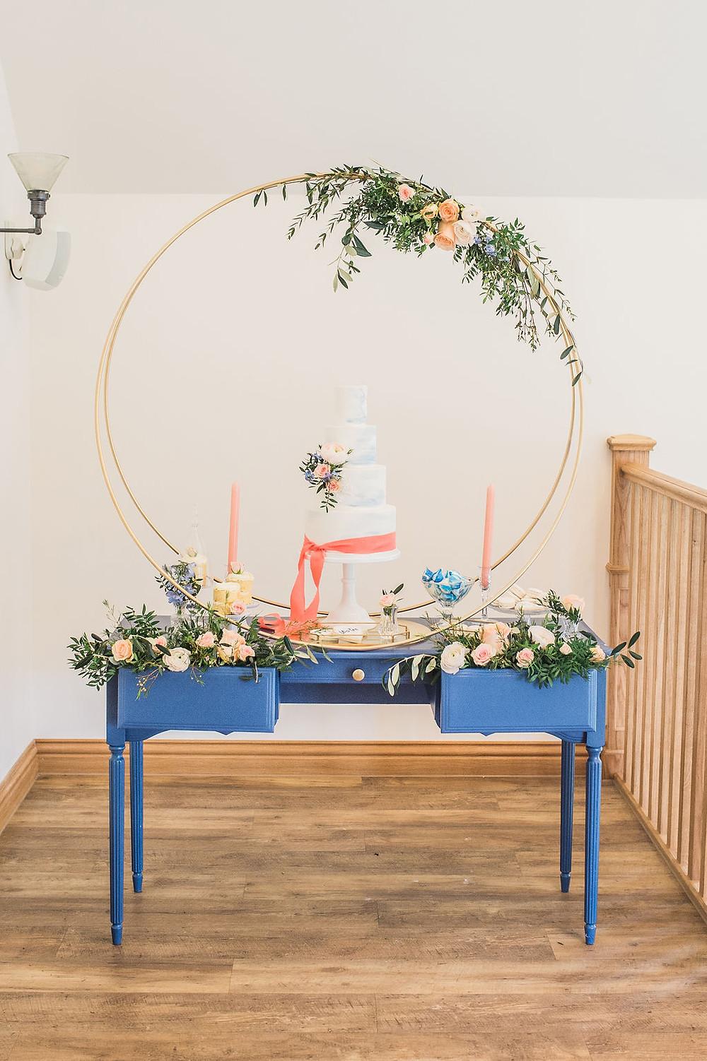 Circular Wedding Cake Hoop Stand Cake Backdrop