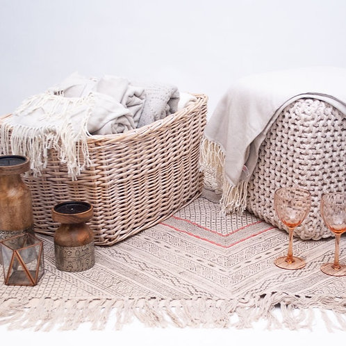 Wicker Blanket Basket & 9 x Blankets With Tassels