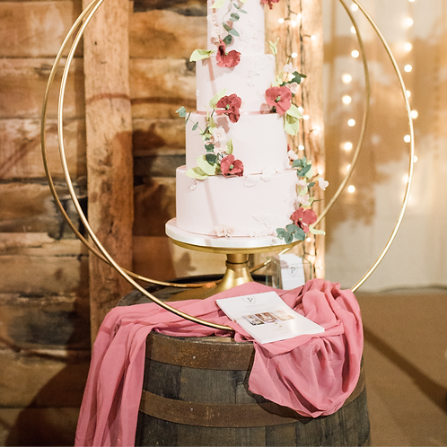 Barn Wedding Cake Hoop Display
