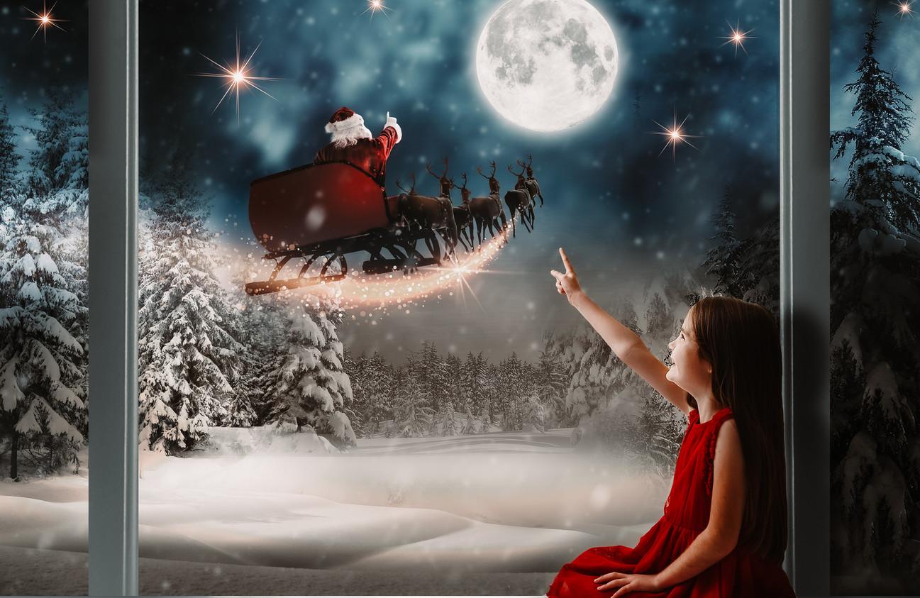 Santa Window-2.jpg