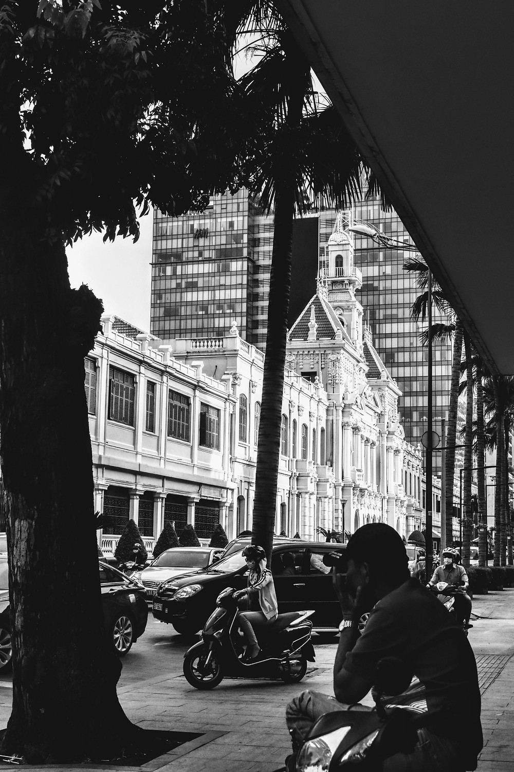 City Hall in Ho Chi Minh, Black and white