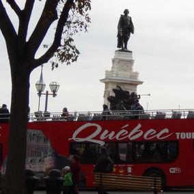 tour-day3-quebecbus.JPG