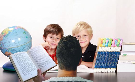 teacher-3802135_1920.jpg