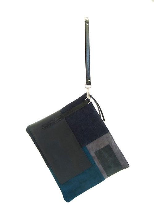 Topanga - Clutch in shades of blue