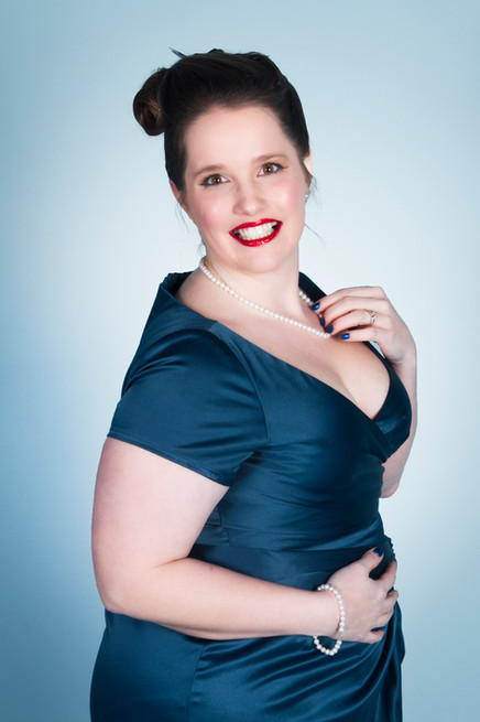 Vintage Pin Up Girl photography - by Becky Lynn Photography