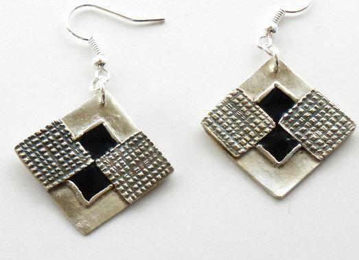 Checkered Diamonds