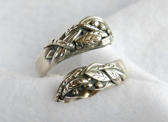 Sculpted Crossover Ring