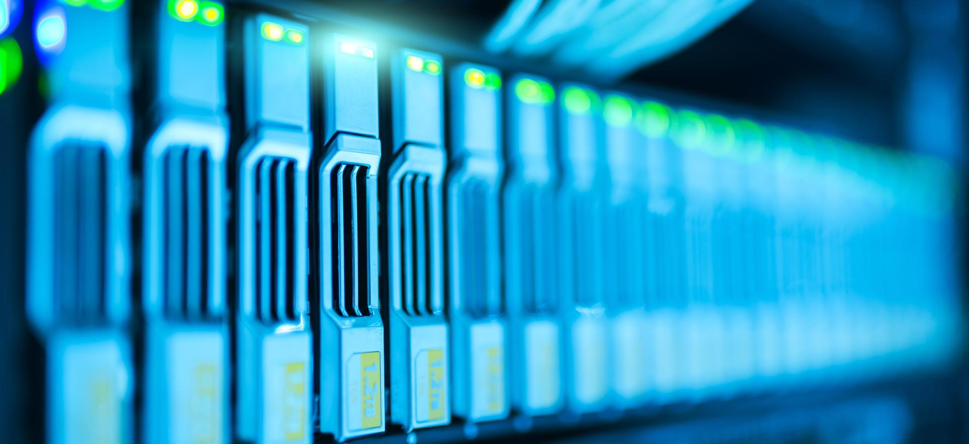 Almacenamiento y disponibilidad de la información de forma rápida y segura