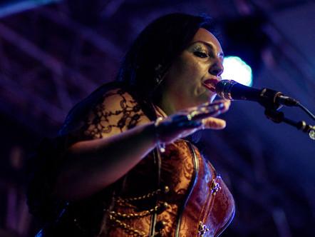 Carmen Giammona, voce e cori