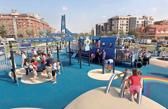 parchi gioco, altalena a nido, parco inclusivo, pavimentazione antiturauma in gomma colata