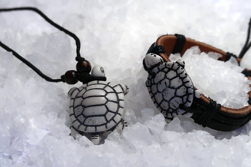 TURTLES CARVED BONE NECKLACE & BRACELET (G)