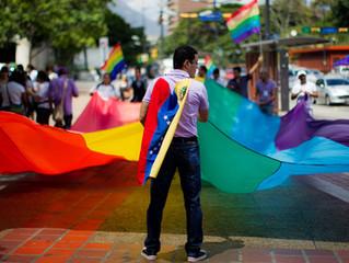 Migrantes Venezolanos siendo parte de la comunidad LGBTI