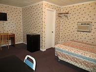 Room_8 _3.JPG