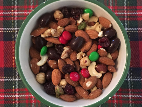 Holiday Trail Mix - Perfect No-Bake Gift Idea