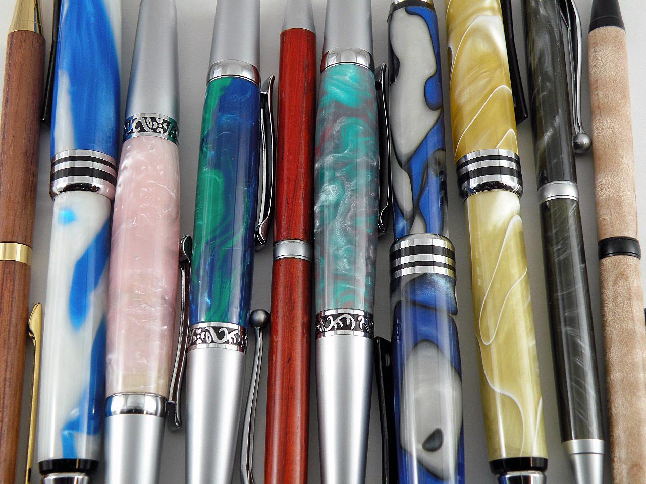 Multiple Pens_090909_0001.JPG